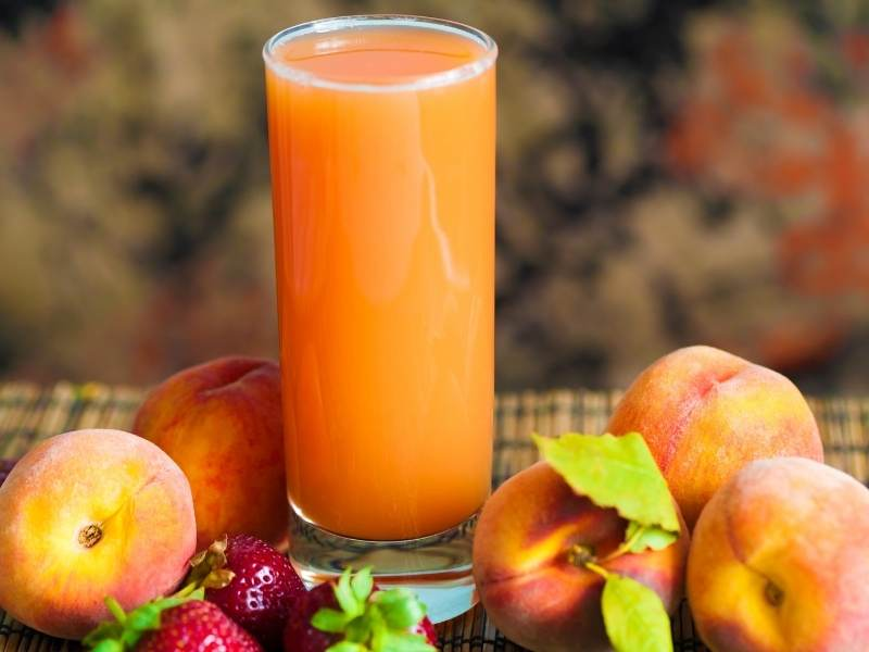 peach and strawberry juice