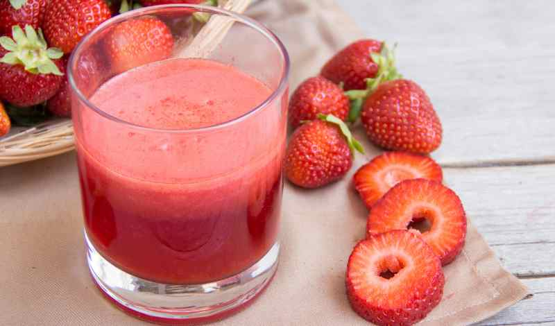How to Make Strawberry Juice